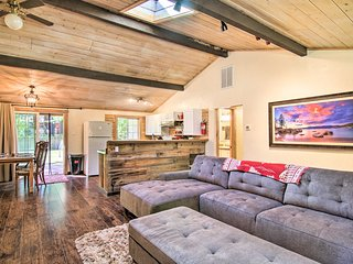 Pet-Friendly Home 2Mi to Heavenly, S Tahoe Beaches