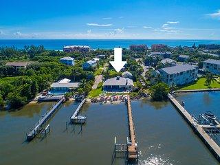 Aquatopia South: 7BR/4BA Beach House, On the river, steps 2 ocean, Heated Pool