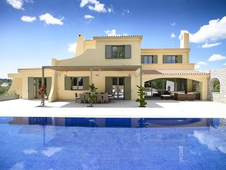 6 bedroom Villa with Pool, Air Con and WiFi - 5813824