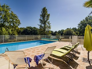 Lussas-et-Nontronneau Villa Sleeps 6 with Pool - 5604579