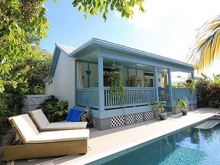 Luxury Rental Old Town Key West Close to Beach. Private Heated Pool. Beautiful!