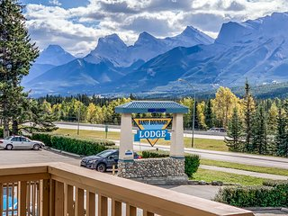 Promotional Deal - Mountain View 2 Bedrooms Unit