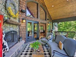 Spacious Sapphire Home w/ 2 Decks & Mtn Views