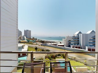 Family condo w/ ocean view - walk to beach, water park & nearby gym!