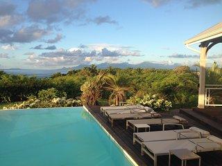 Villa Eleuthera, votre villa 5 etoiles en bord de mer