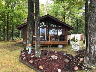 WHEELER LAKE HOUSE (Kalkaska, MI): Sleeps 7, Serene Getaway