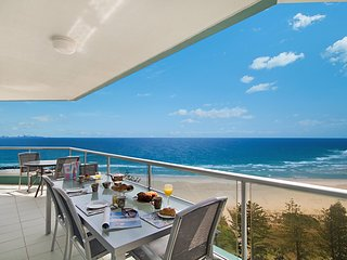 Ocean Plaza Unit 1469 - Right on Coolangatta beachfront