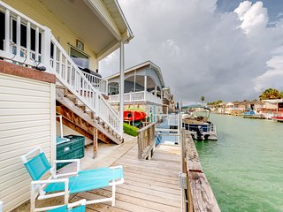 Beautiful waterfront home w/ private dock, shared pool, hot tub