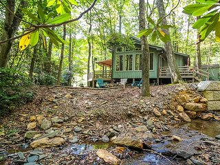 Creekside Comfort - Creekfront Cabin W/Fire Pit, WiFi, Gas Logs & Near Boone