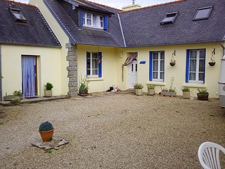 Self-catering apartment with private garden. Bedding and towels included.