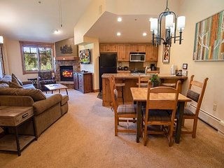 Mountain Thunder 1311 Condo: Ski In, Resort Amenities!