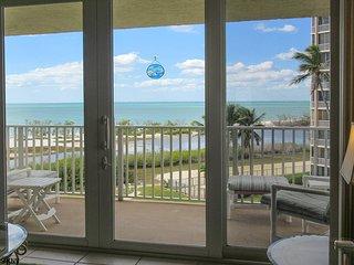 Estero Beach & Tennis 407A - Free WiFi, Resort Pool & Beach Access