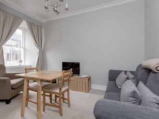 St Mary's Street 3 Bed Apartment In the Old Town