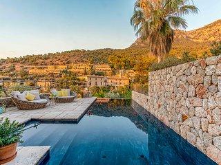 Preciosa casa con encanto en Deia con vistas al mar
