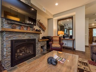 Pet Friendly, On Sierra Star Golf Course, Garage and Jacuzzi, Luxury Home