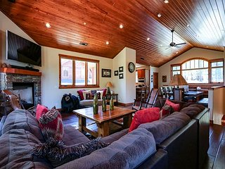 Bright environment, Cozy Mountain House on the Sierra Star Golf Course
