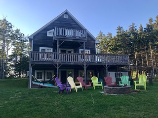 Beautiful ocean view property on the Amherst Shore - Northport, NS