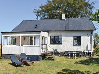 Awesome home in Löderup w/ 3 Bedrooms