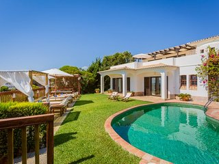 Santa Eulalia Villa Sleeps 11 with Pool Air Con and WiFi - 5239042