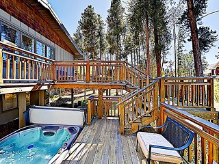 Charming & Warm Private In-Town Home w/ Hot Tub