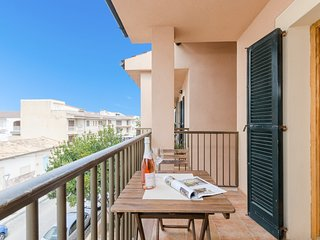 YourHouse Arena apartment, in the city center of Can Picafort, near the beach