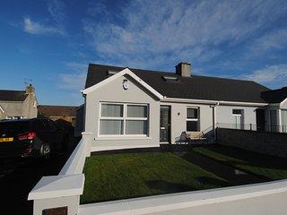 Grey House - Causeway Coast Rentals
