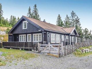 Stunning home in Sjusjoen w/ Sauna and 4 Bedrooms (N31928)