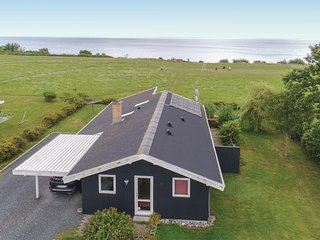 Beautiful home in Juelsminde w/ Sauna, WiFi and 4 Bedrooms
