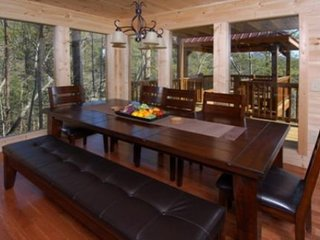 A Suite Mountain View - 4 Bedrooms, 4 Baths, Sleeps 12