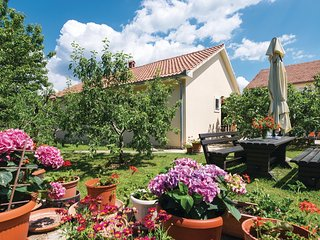 Stunning home in Posedarje w/ WiFi and 4 Bedrooms (CDZ683)