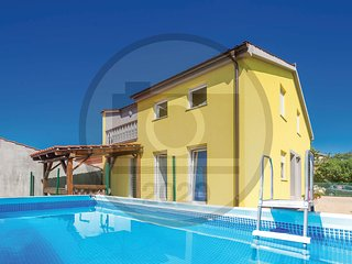 Amazing home in Zupanje w/ WiFi and 1 Bedrooms (CKK651)