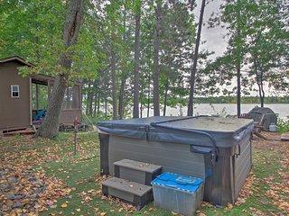 Loon Lake Lodge' w/ Dock, Sauna & Hot Tub!