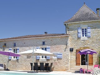 Beautiful home in Puy L´Eveque w/ WiFi, Outdoor swimming pool and 3 Bedrooms