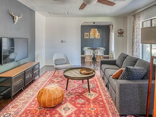 Stylish 3BR Home in Phoenix by WanderJaunt
