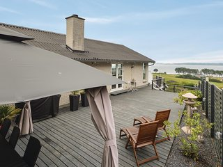 Stunning home in Aabenraa w/ WiFi and 3 Bedrooms (F07222)