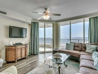 New to Rental!  Gorgeous 6th Floor Oceanfront Condo in Mar Vista Grande Resort
