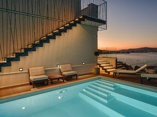 Seafront Villa Tempera, in Dalmatia, with a Pool