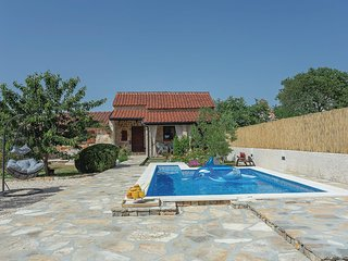 Beautiful home in Konjevrate w/ WiFi, 1 Bedrooms and Outdoor swimming pool