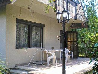 Nice home in Balatonkeresztúr w/ 2 Bedrooms (UBW477)