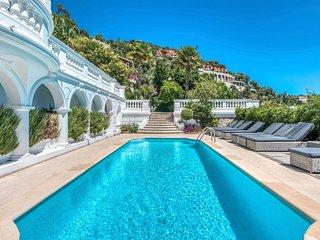 Villefranche-sur-Mer Villa Sleeps 12 with Pool and Air Con - 5049510
