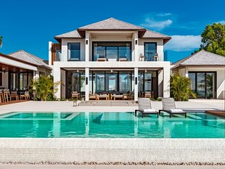 Villa Vision Beach | Beach Front - Located in Fabulous Grace Bay with Private P