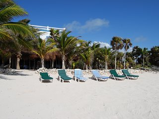 Spectacular beachfront Villa Tres Delfines