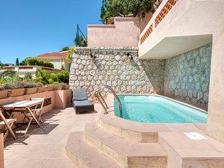 Villefranche-sur-Mer Villa Sleeps 9 with Pool and Air Con - 5049512