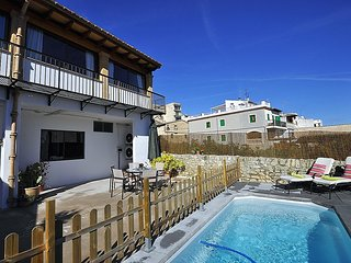 Town house CA N'ANTONIA COSTA in Montuiri Center for 8 people with private pool-