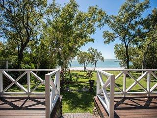 Cottonwood Estate - 5 Acre private beachfront