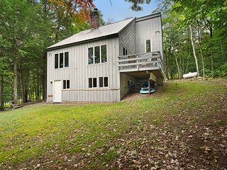 Dog-friendly home w/ wood stove, grill & forest view - near skiing/Story Land!