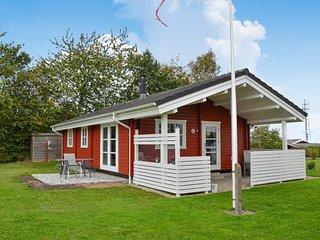 Nice home in Frederiksvaerk w/ 2 Bedrooms (E14121)