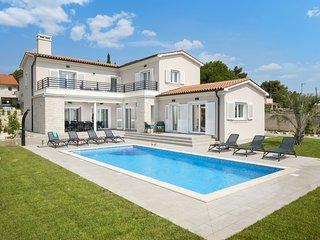 Villa Suprema Premantura -  Villa mit beheiztem Pool und Sauna bei Kap Kamenjak