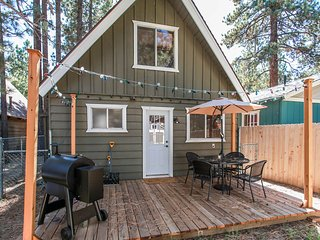 Relax On Meadow Cozy 3 BR Bear City Retreat