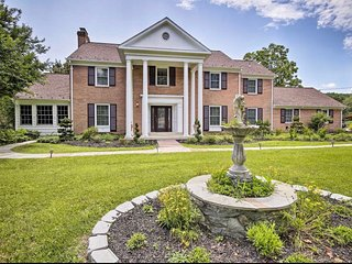 Stately Potomac Bliss Estate w/ Private Swimming Pool